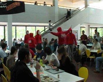 TU Mensa Berlin - Solidaritätsbekundung mit den Beschäftigten des Studentenwerks
