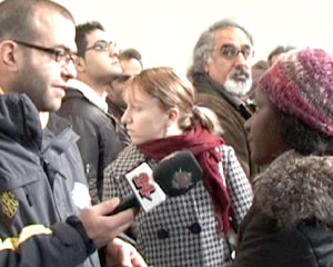 Medienkonferenz in der besetzten Kirche