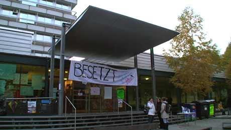 Uni Graz gehört uns!