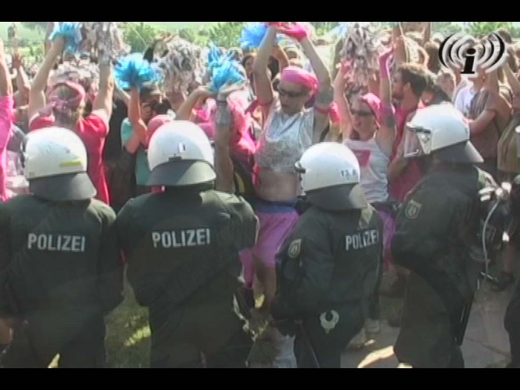 random video: G8: Blockade in Hinter Bollhagen am 07.06.2007