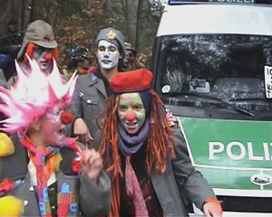 random video: Castor, Clowns und Chaoten